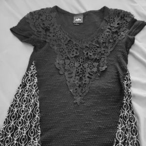 Daytrip Floral Knit Black and White Shirt